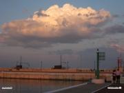 09/09/2010 - Nuvola sul molo di Senigallia